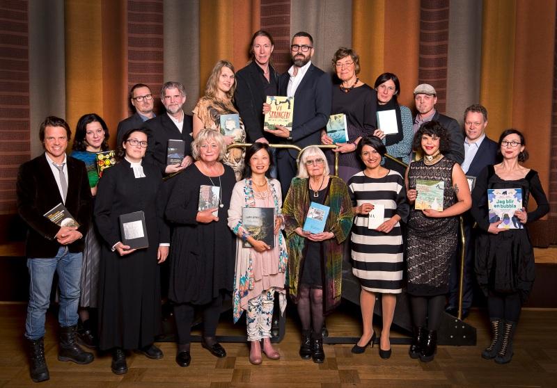 Färgstark skara presenterade böckerna på Augustgalan2014